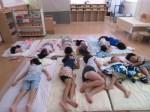 画像:お昼寝は涼しいお部屋で「おやすみなさい!」