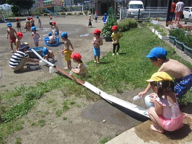 画像:水遊び2